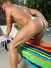 Bryce shows big hulking muscles