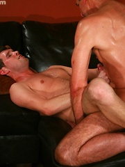 Older gay like younger cock and anal