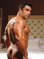 Competitive bodybuilder Eduardo Correa is stunningly handsome