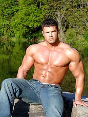 Really hot muscleman Kurt Beckmann