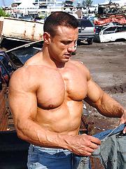 Muscle stallion Ilario Rongioletti
