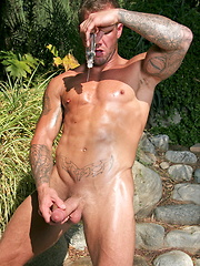 Bo showing his perfect oiled body and jacking off his nice dick