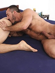 Hot muscled dude gets his sexy bum banged
