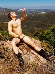 Craig Hunter grabs his thick meaty cock and gives you one fuck of a show