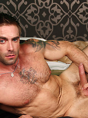 Muscle hunks Jake Genesis and Marcelo Montero fucking