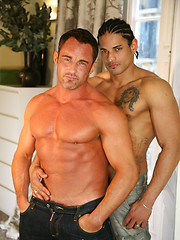 Two muscled machos have gay sex