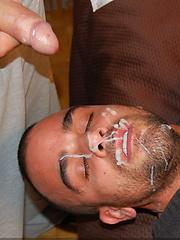 Gay pornstar Damien Crosse in hot facial scenes