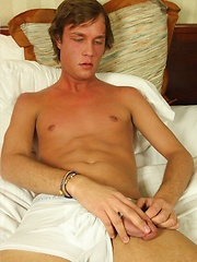 Blue eyed Chase solo stroking