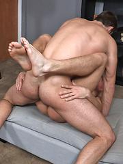 Hot bareback scene between Sheridan and Jarek