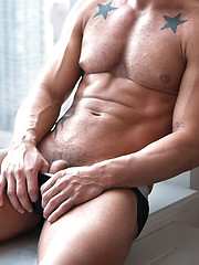 Rod Daily rides Vito Gallo cock