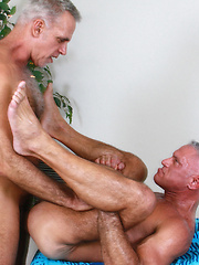 Jeff Grove and Josh Ford are no exception and suck, rim and fuck their way to a splattery frenzy