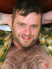 Super cute amateur cub Tavi Morrison strips down on the bed to show off his cock