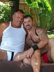 Sexy linebacker built Brock Hart is paired with sexy Muscle Bear Steve King in the hot Florida sun
