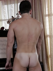 Kris Wallace Steps Out Of The Shower & Into Tight Raw Ass Action!