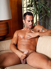 Joey Santana showing off his hole for a bit