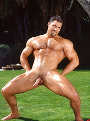 Superstar Franco Corelli hot posing on the nature